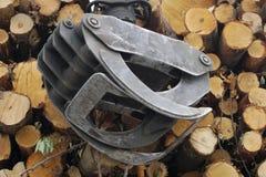 Транспорт стога тимберса инструмента индустрии лесохозяйства деревянный Стоковые Фотографии RF