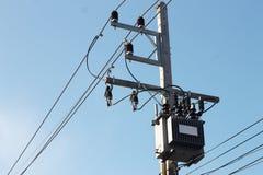 Трансформатор и линии электропередач Стоковые Изображения