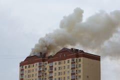 трап пожарного пожара здания вне кладет стоковые изображения rf