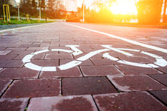 Трасса велосипеда знака в будущем Стоковые Фотографии RF