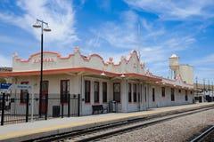 Трасса 66, историческое железнодорожное депо, Kingman, Аризона, США Стоковая Фотография RF
