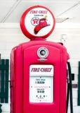 Трасса 66: Руководитель пожарной службы газового насоса, Дуайта, IL Стоковые Фотографии RF