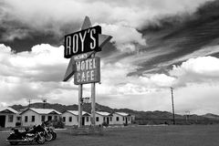 трасса roy s кафа 66 ca Стоковая Фотография