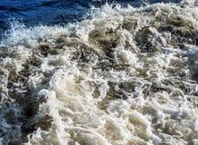 Трассировка корабля на море Стоковые Изображения