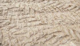 Трассировки катят внутри грязь Стоковое Изображение
