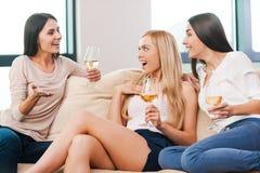 Тратить большое время с друзьями Стоковое Фото