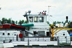 Траулеры для транспорта груза реки Стоковое Фото