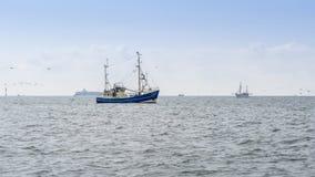 Тралить рыбацких лодок стоковые изображения
