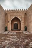 Традиционная арабская дверь входа в Дохе, Катаре Стоковые Изображения RF