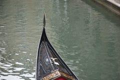 Традиционная венецианская шлюпка гондолы, Венеция Стоковое Изображение