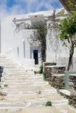 Традиционная греческая архитектура на островах Кикладов Стоковое Фото