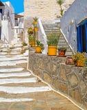 Традиционная греческая архитектура на островах Кикладов Стоковое фото RF