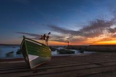Традиционная деревянная рыбацкая лодка в гавани на прибрежном городе Souira Kedima в Марокко Стоковая Фотография RF