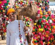 Традиционная конкуренция украшения верблюда на mela верблюда в Pushka Стоковая Фотография RF