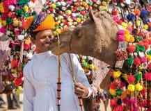 Традиционная конкуренция украшения верблюда на mela верблюда в Pushka Стоковое Изображение