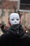 Традиционная масленица маск по случаю правоверного праздника Prochka прощения в городе Prilep, македонии стоковая фотография