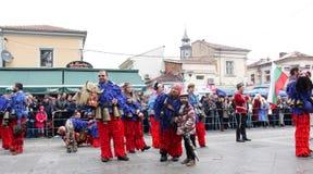 Традиционная масленица маск по случаю правоверного праздника Prochka прощения в городе Prilep, македонии Стоковое фото RF