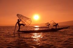 Традиционная рыбная ловля сетью в Бирме Стоковые Изображения