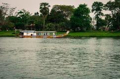 Традиционная шлюпка в Вьетнаме Стоковые Фотографии RF