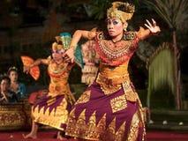 Традиционное балийское представление танца Legong в Ubud, Бали Стоковое Изображение