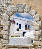 Традиционное зодчество села Oia на острове Santorini Стоковые Изображения RF