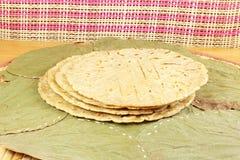 Традиционное индийское домашнее сделанное paratha chapati roti индийский плоский хлеб или индийский tortilla Nan Стоковые Фото