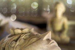 Традиционное индонезийское деревянное изготовление маски театра Стоковые Фотографии RF