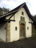Традиционное швейцарское здание рамки тимберса стоковое фото