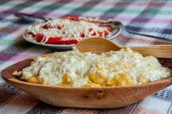 Традиционное Montenegrin †«Kacamak еды Стоковая Фотография