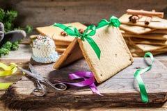 Традиционно коттедж пряника для рождества Стоковое Фото
