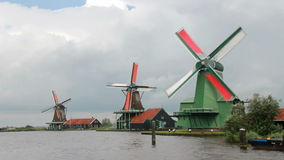 Традиционные ветрянки в Голландии сток-видео