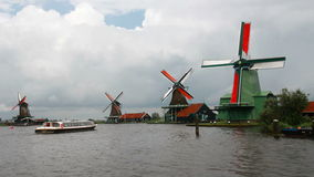 Традиционные ветрянки в Голландии акции видеоматериалы