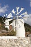 Традиционные ветрянки около плато Lasithi Крит Греция Стоковое Изображение RF