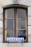 Традиционные деревянные окна в французском стоковое изображение rf