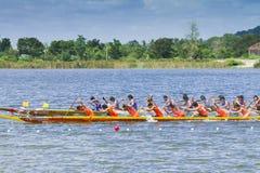 Традиционные длинние гонки шлюпки на huahin 2013 toa koa Стоковая Фотография