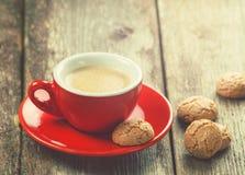 Традиционные итальянские печенья и чашка кофе Стоковая Фотография RF