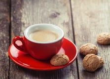 Традиционные итальянские печенья и чашка кофе Стоковые Фотографии RF