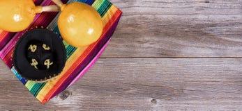 Традиционные красочные объекты для celebrati праздника Cinco de Mayo Стоковые Фото