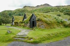Традиционные дома в Исландии стоковое фото rf