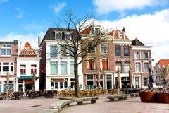 Традиционные дома на квадрате в Лейдене, Нидерландах Стоковые Изображения RF