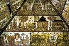 Традиционные подлинные позолоченные картины стены вычисляют на ceili Стоковое фото RF