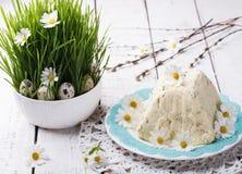 Традиционные русские правоверные десерты пасхи Стоковые Фотографии RF