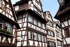 Традиционные старые дома в страсбурге стоковое изображение