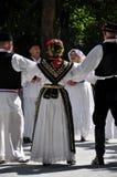 Традиционные танцоры Slavonian фольклорные стоковые фотографии rf