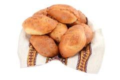 Традиционные украинские и русские пирожки изолированные на белой предпосылке Стоковое фото RF
