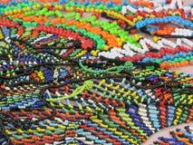 Традиционные украшения шарика Зулуса продали на рынке в Дурбане Южной Африке Стоковое Изображение RF
