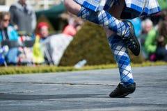 Традиционные шотландские танцы гористой местности Стоковые Изображения RF