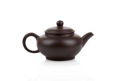 Традиционный азиатский изолированный чайник глины Стоковые Фотографии RF