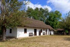 Традиционный венгерский сельский дом стоковая фотография rf