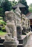 Традиционный демон защищает статую на острове Бали Стоковые Изображения RF